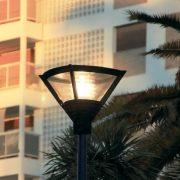farola moderna para alumbrado publico grandes areas plazas calles y paseos comerciales